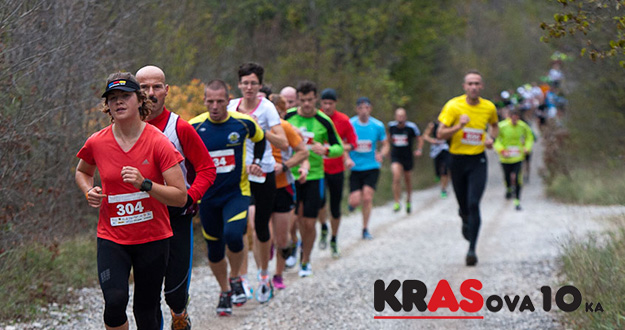 Runners greet autumn on Karst